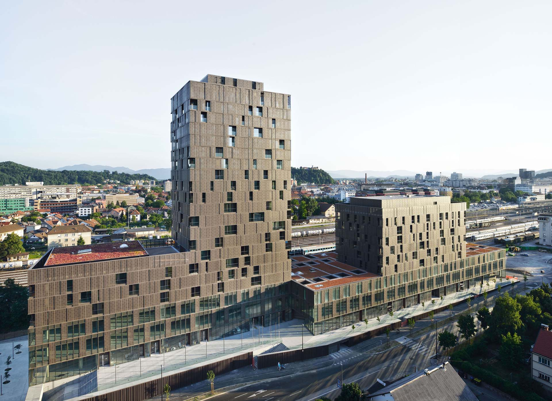 The situla building ljubljana by bevk perovic uncube for Builders to build a house