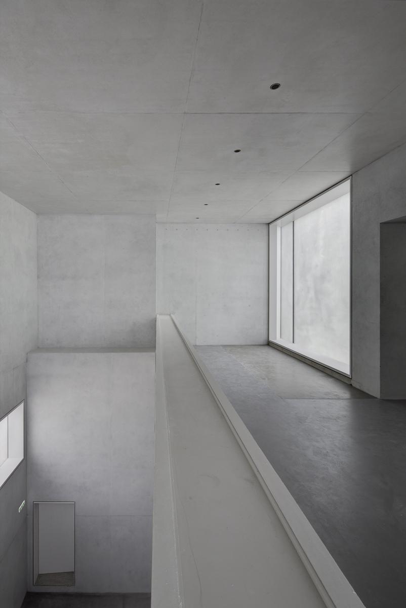 Bauhaus reinterpreted not reconstructed in dessau uncube - Bauhaus iluminacion interior ...
