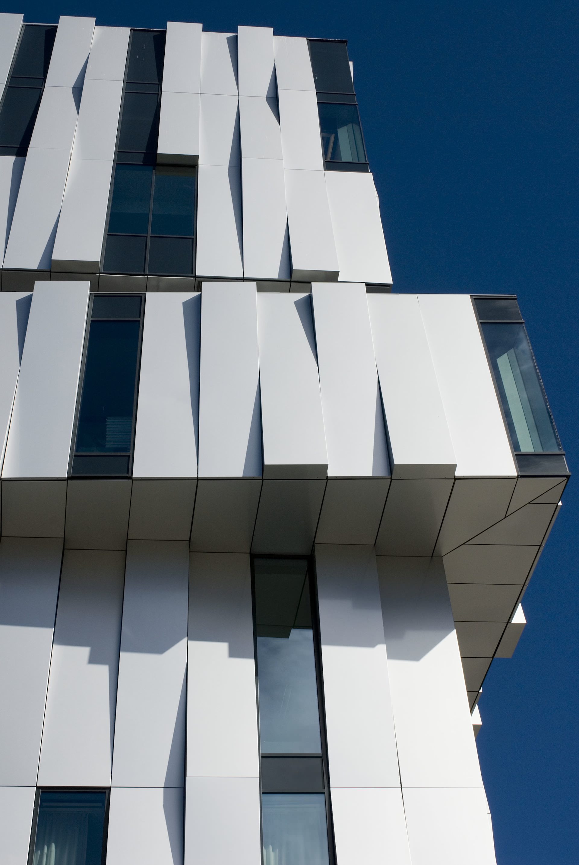 Uncube marks the loss of a great danish architect and for Archi facade