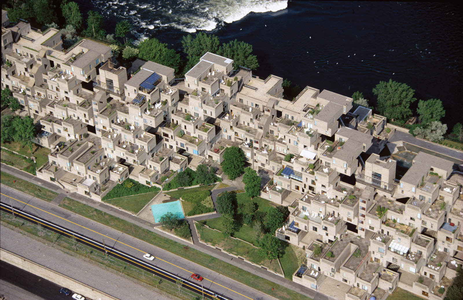 An interview with moshe safdie uncube for Habitat 67 architecture