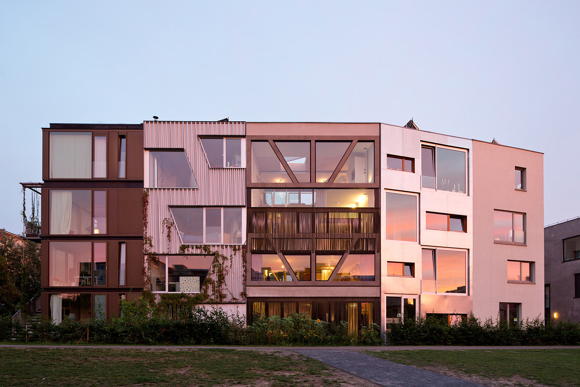 Berlin townhouse by x th architecture uncube for Architecture berlin