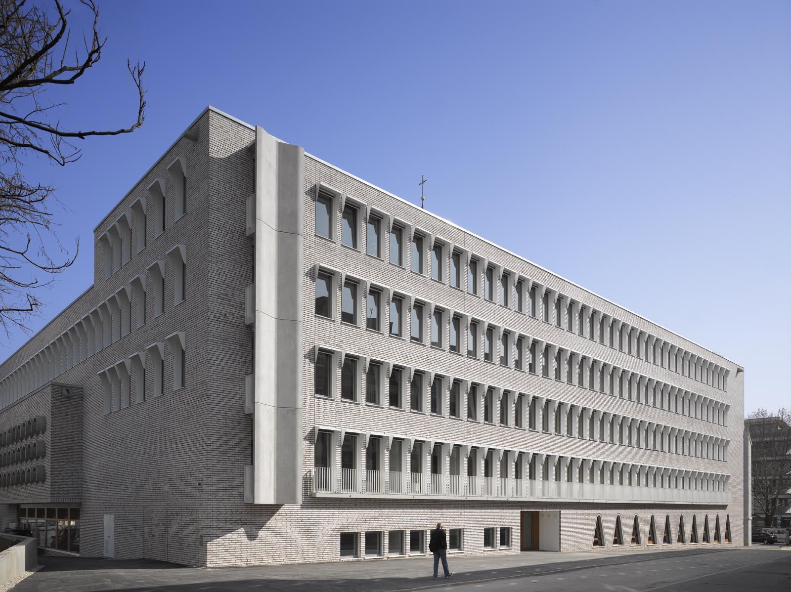 Architects Stuttgart hospitalhof in stuttgart by lederer ragnarsdóttir oei uncube