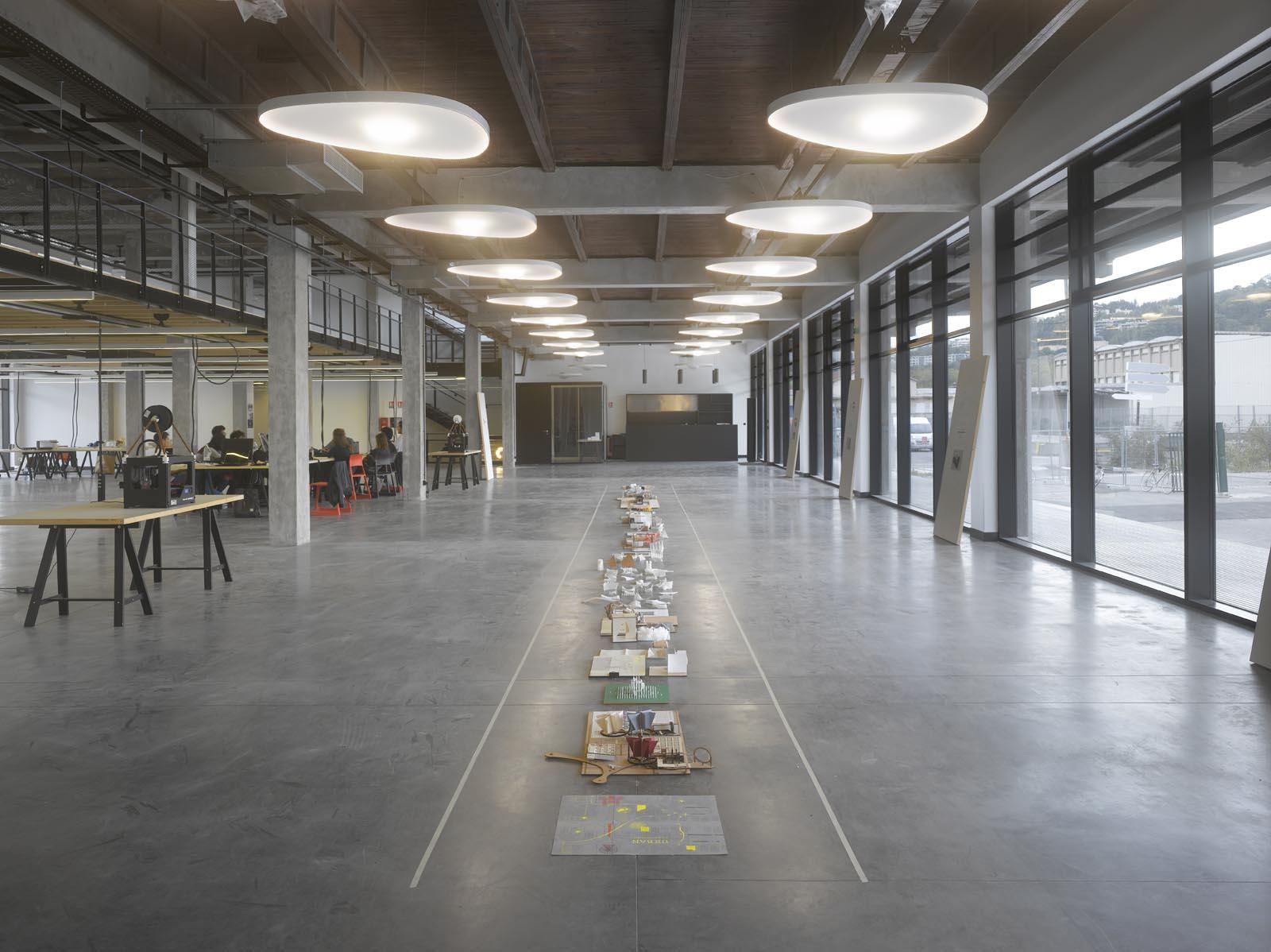 Odile decq s confluence school of architecture in lyon for Architecture lyon