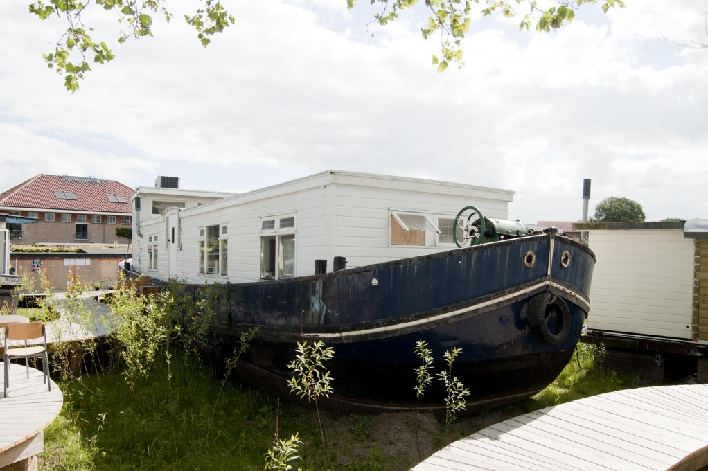 space&matter collected some 15 discarded boats' refurbished them and placed them on site... (Photo: Martin van Wijk)