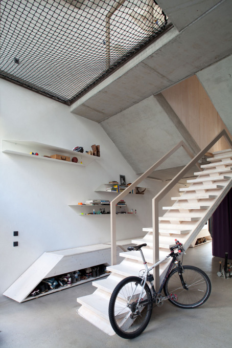 Yet the mountain bike has to stay downstairs. (Photo: Anja Büchner / XTH architects)