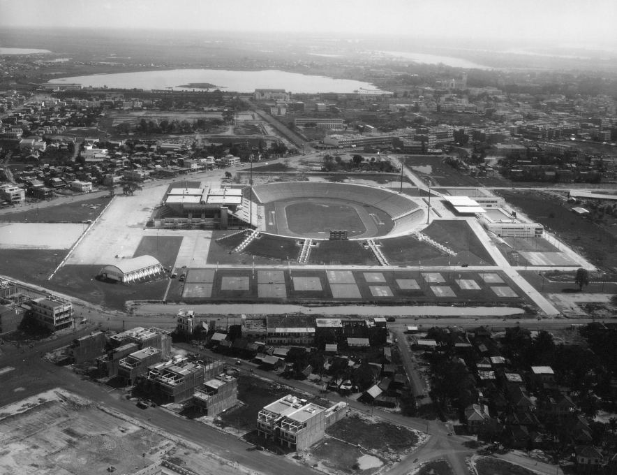 Aerial view of the complex with the sports hall to the left and the outdoor pool to the right. (Photo © Vann Molyvanns private collection)