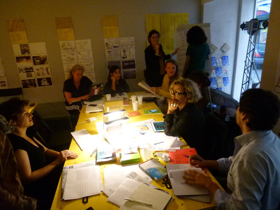We-Traders in Lisbon working on their manifesto during a workshop. (Photo: Rose Epple)
