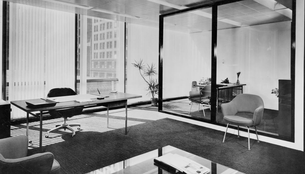 One of the manager's offices in the Inland Steel Building in 1958. (Photo © Ezra Stoller ESTO)