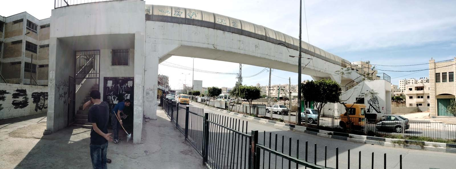 The pedestrian footbridge connecting the city of Deishah to the camp: build by people in the city to allow their children to attend the UNRWA school in the camp. It has since been closed. (Photo courtesy Campus in Camps)