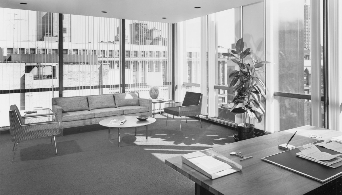 And a manager's leisure area for informal meetings in the Inland Steel Building in 1958: straight out of Mad Men. (Photo © Ezra Stoller ESTO)