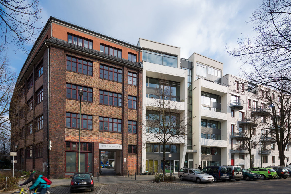 "Co-op housing project ""twin house"" in Berlin-Treptow, 2010. (Photo: Marcus Ebener, Die Zusammenarbeiter)"