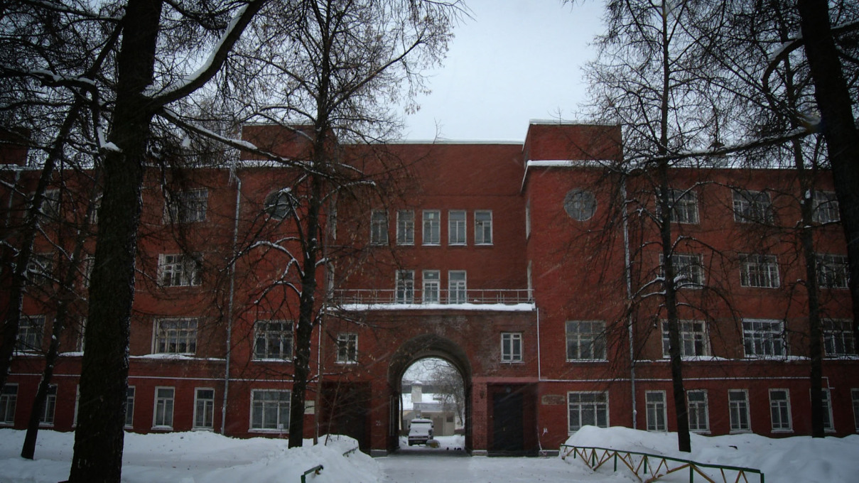 Dormitory building of the agricultural academy K.A. Timirjazeva, designed by Boris Iofan. Film still.