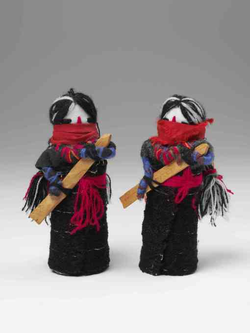 Dolls of the Zapatista revolution represent the masked indigenous rebel leaders in the Chiapas region of Mexico. (Photo © Victoria and Albert Museum)