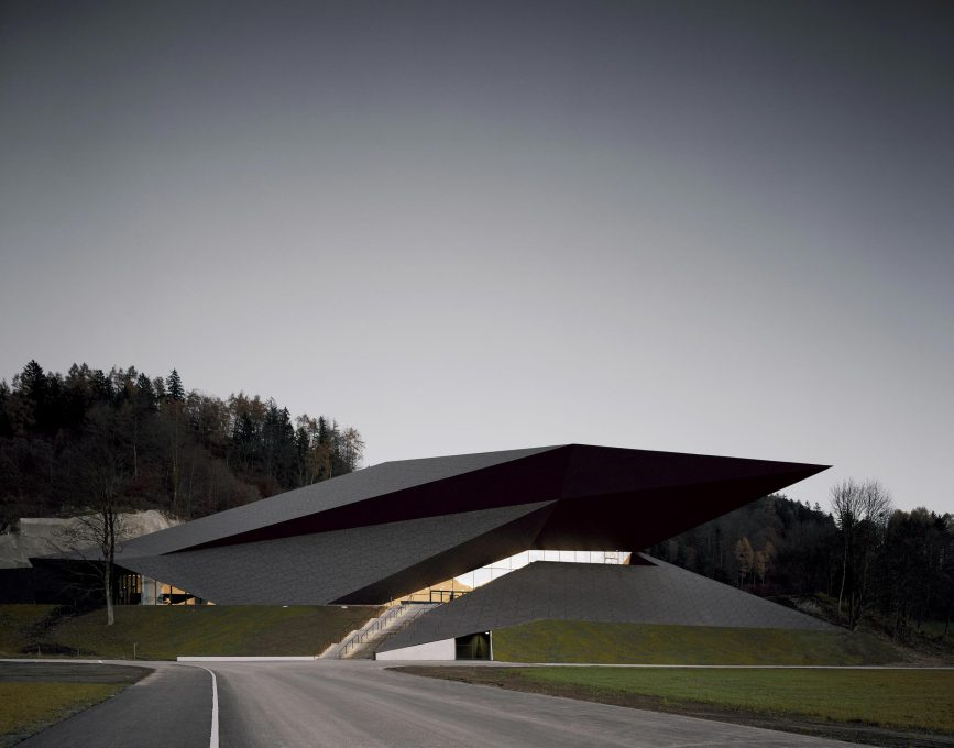 The new festival hall in erl austria by delugan meissl for Festival hall in erl