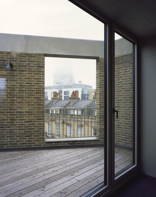 A roof terrace. (Photo: Hélène Binet)