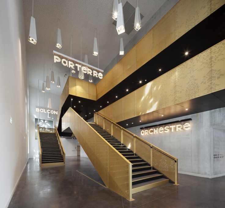 The stairs to the auditorium in the foyer. (Photo: Luc Boegly)