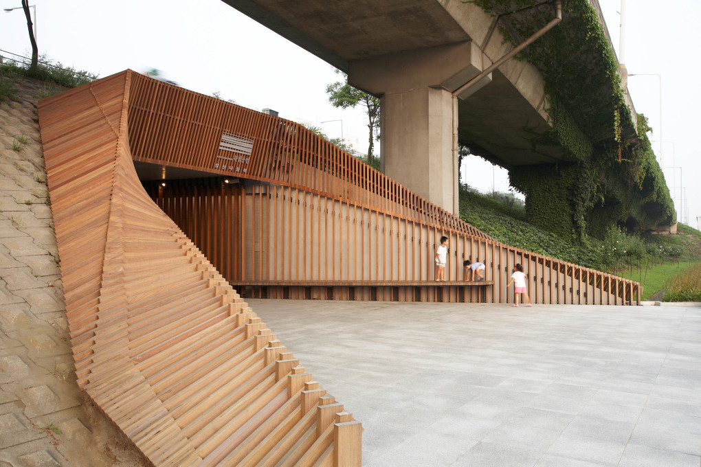 Lokaldesign, Haewon Shin: Hangang Riverbank Underpasses, Seongsan. Seoul, South Korea, 2008–2009. (Photo: © Park Wan-Soon)