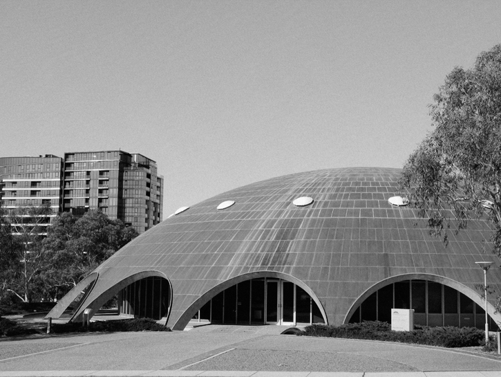 The Shine Dome in Canberra, completed in 1959 and home to the Australian Academy of Science Secretariat. (Photo: Flickr/Zone Cruiser, CC BY-NC 2.0)