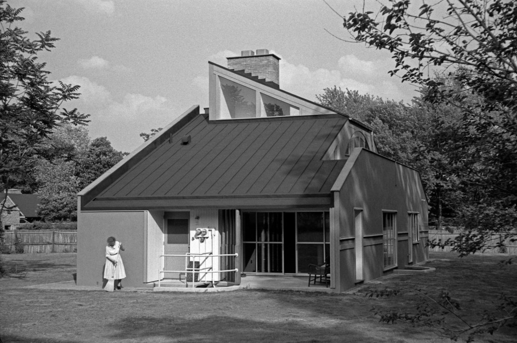 Vanna Venturi House, west elevation.