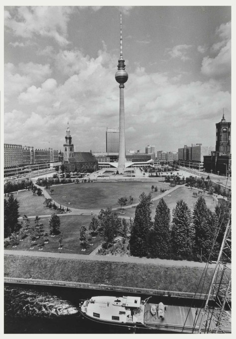 Seen here in 1973, when the Berliner TV Tower served as a continual reminder of the existence of two Germanys, the iconic structure now represents Germany, singular. (Photo: Karl-Heinz Kraemer © Archive Berlinische Galerie)