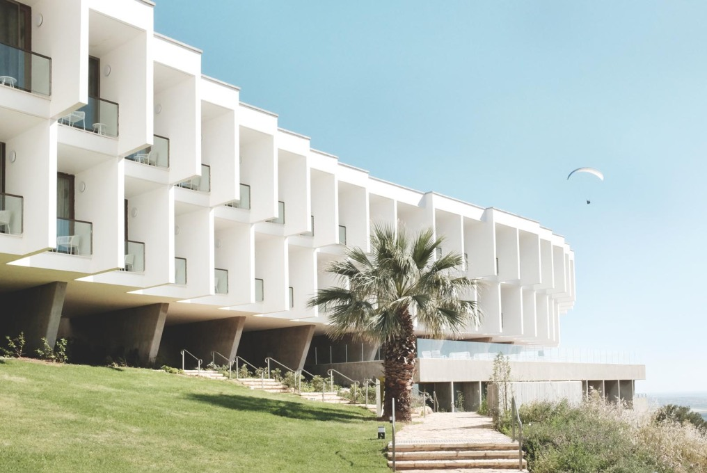 The Elma Hotel, formerly The Mivtachim Sanitarium, an Israeli State-run Worker's Convalescent Home, designed by Jacob Rechter and built 1966–69. (Photo: Gili Merin)