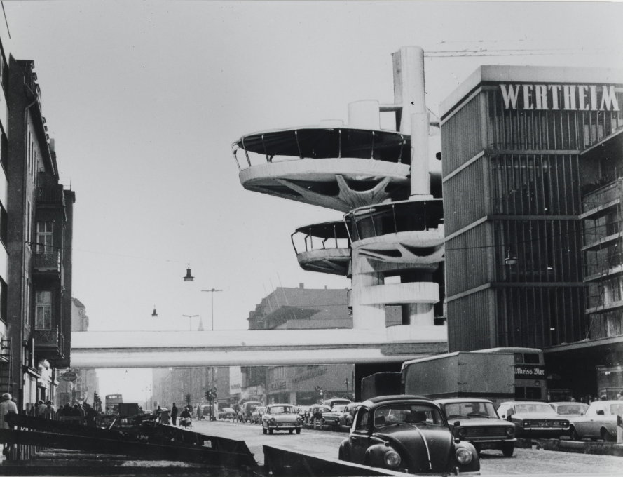 This proposal for a tower restaurant in West Berlin was actually realised in a similarly weird way. (Photo-collage 1968/69 © Schüler, Schüler-Witte/Berlinische Galerie)