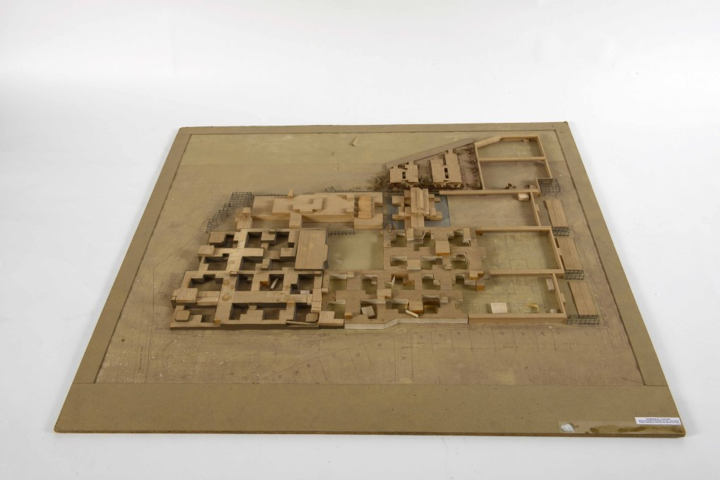 ... resembling old Arabian cities or souks. (Competition model from 1962 by Josic, Candilis, Woods and Schiedhelm, Photo © Archiv der Berlinischen Galerie)