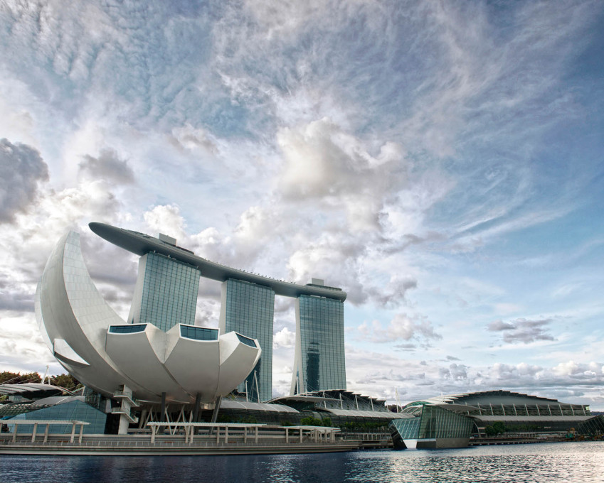 View of the Marina Bay Sands Hotel with the ArtScience Museum in front, also designed by Moshe Safdie. (Photo: MBS Visual Media)