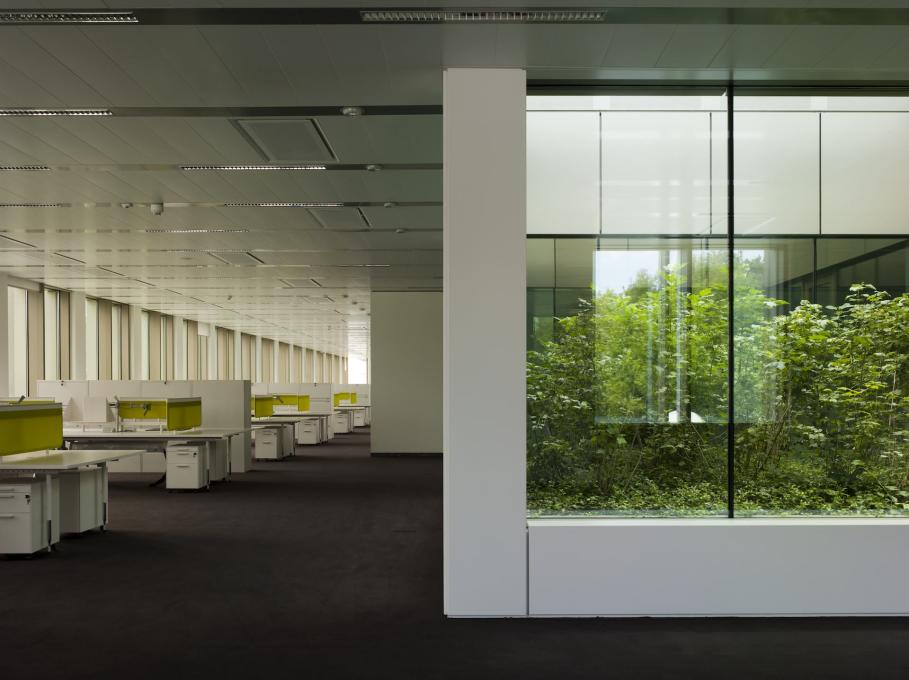 Warsaw Embassy II, Poland, 2009: first floor office space (Photo: Peter Cook)