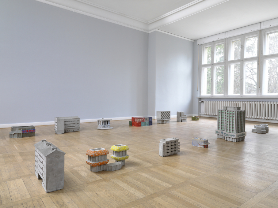 Mini modernisms. Installation view at the Haus Am Waldsee. (Photo: Bernd Borchardt)
