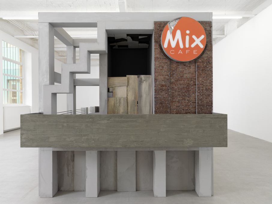 The service isn't great. Mix Café (2011). (Photo: Bernd Borchardt, Courtesy of Ina Weber)