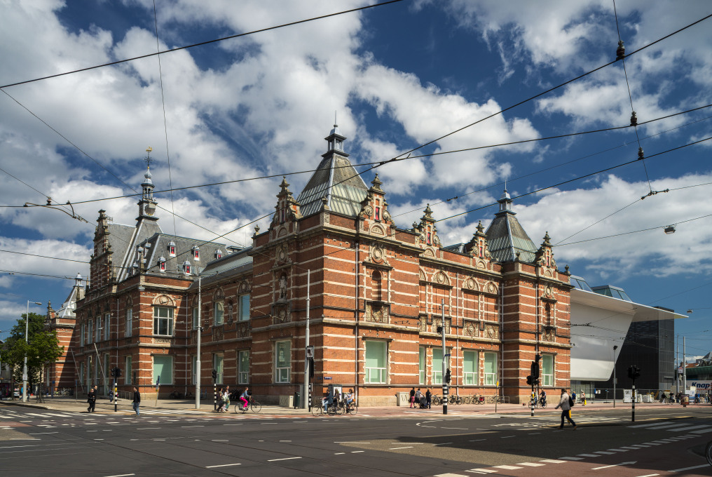 The original Stedelijk, designed in neorenaissance style by A.W. Weissman, opened in 1895. Photo: John Lewis Marshall