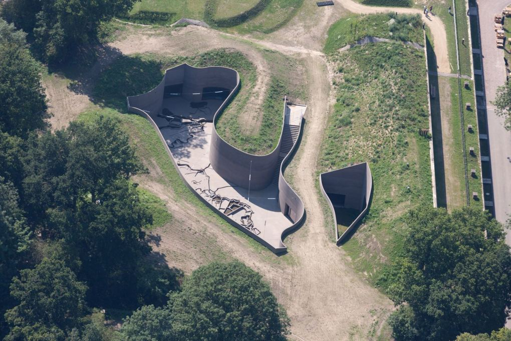 Fort Vechten from the air, with the new museum by Anne Holtrop at centre-top. (Photo: Ossip, all images courtesy Studio Anne Holtrop, unless otherwise stated)