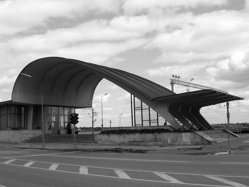 Railway Station in J?rmala, Latvia. Designed by Ilya Yavein and built in 1977. (Photo: J?nis Vilni?š, lv.wikipedia.org)