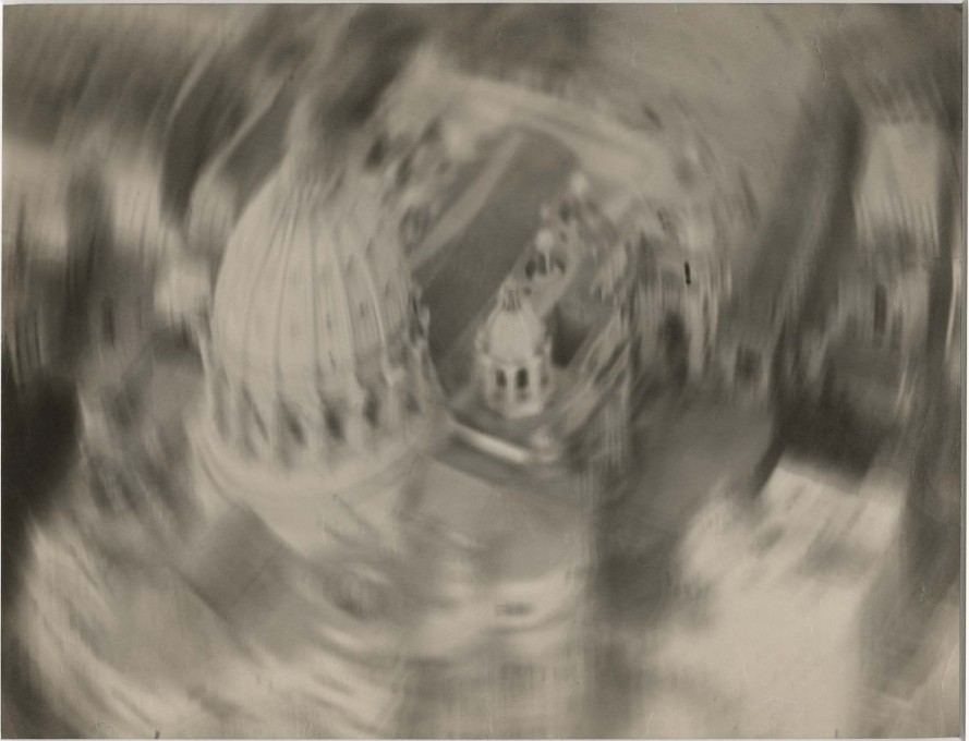 "A clear experiment in movement: gelatin silver print by Filippo Masoero, ""Descending over Saint Peter"", ca. 1927–37. (Image: Touring Club Italiano Archive)"