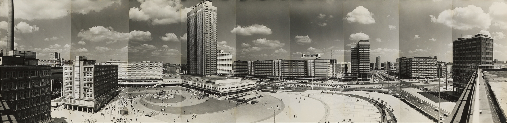 Panorama of Alexanderplatz, 1972. (Photo: Heinz Lieber © Legal successors Heinz Lieber)