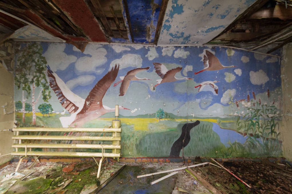 A mural in the officers' clubhouse at the crumbling Vogelsang Garrison in Brandenburg, which was founded in 1952 as a settlement for up to 15,000 Russian soldiers and civilians. (All images © Benjamin Busch, 2014)