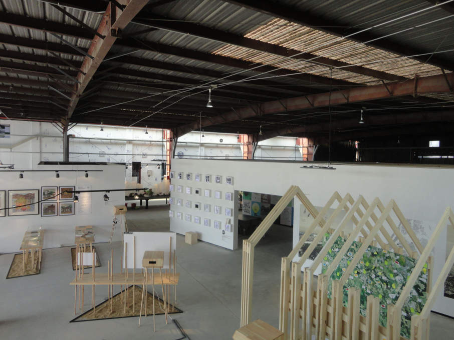 Another view across the Border Warehouse exhibitions. (Photo: Merve Bedir)