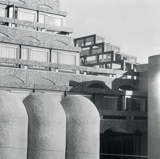 The coved forms of the side-chapel lightscoops with the ziggurated glass roof lantern above the high altar to the right, seen in 1967. (Photo: GKC archive)
