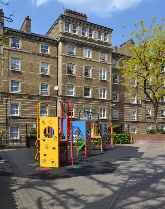 A Clerkenwell estate, constructed in 1884, today: showing the generous communal yard. (Photo: © Ellie Duffy)