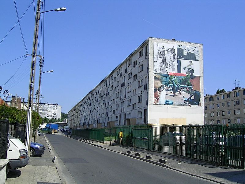 Clichy-sous-Bois, one of the Banlieue in northern Paris, is one of the intended investment sites.
