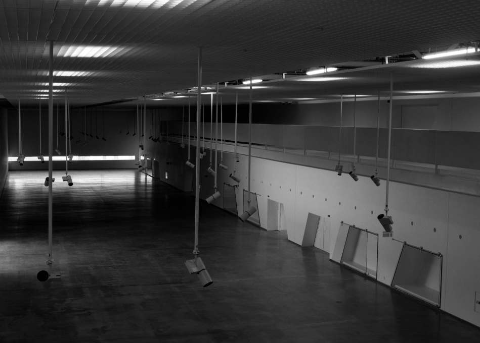 Interior of the large exhibition hall to house the coaches (Photo: Nuno Cera).