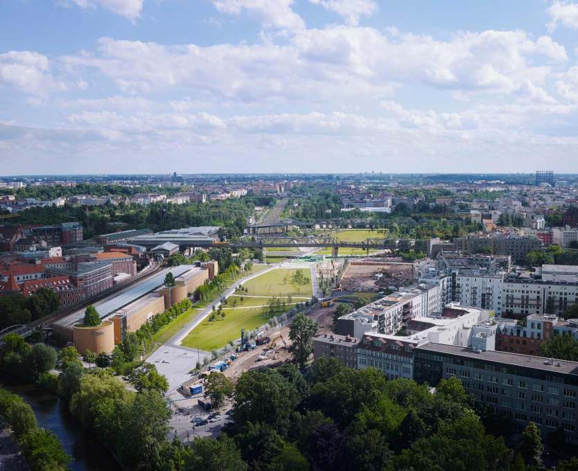 Park am Gleisdreieck's over 30 hectares constitute the last large WWII-era open space in the center of Berlin developed after reunification. (Photo: Julien Lanoo, ©Atelier LOIDL)