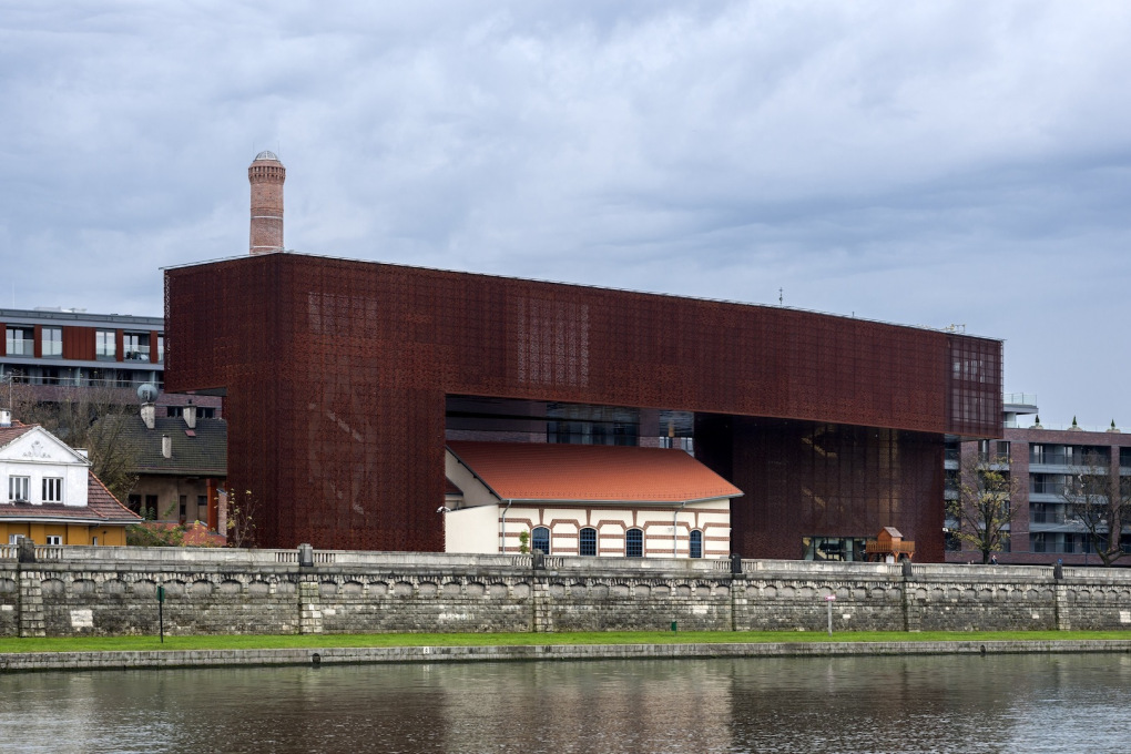 Cricoteka, the Centre for the Documentation of the Art of Tadeusz Kantor which lies on the right bank of the Vistula river. (All photos: Iñigo Bujedo Aguirre, copyright: Biuro Architektoniczne Wizja sp. z o.o.)