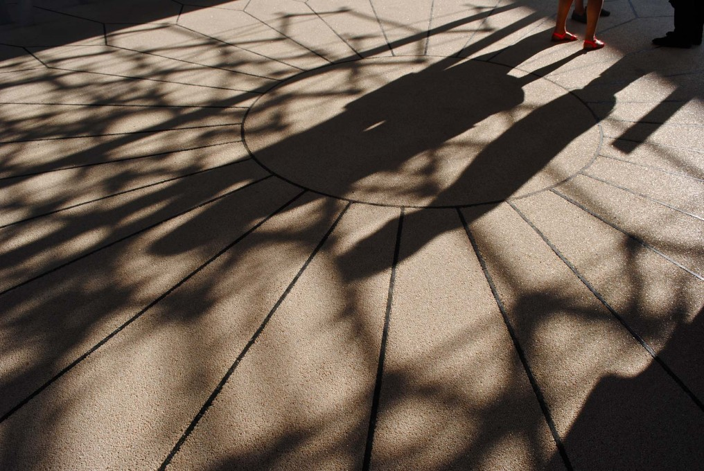 Shadows cast by the beehive structure and first guests at the preview of the UK Pavilion... (Photo: Orlando Lovell)