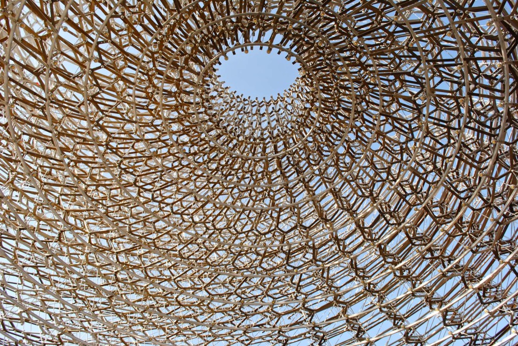 Wolfgang Buttress' UK Pavilion is based on a beehive. (Photo: Orlando Lovell)