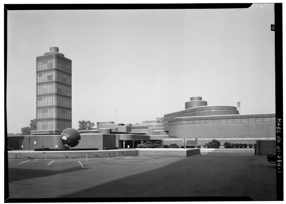 View east towards the Johnson Wax headquarters, c.1969. (Courtesy of the Library of Congress)