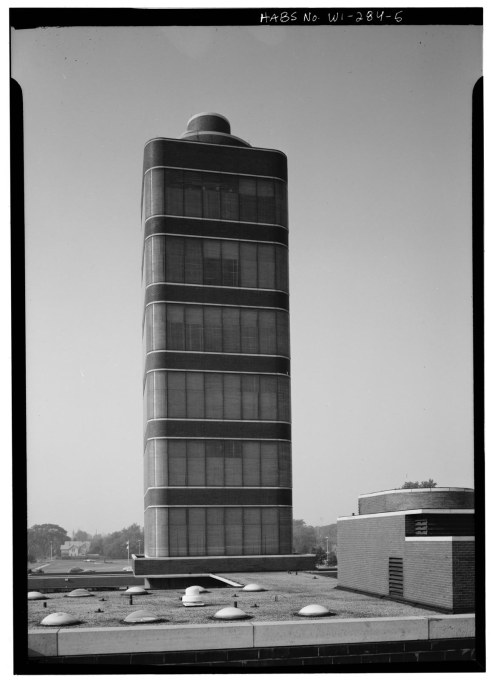 The tower is 46.6 metres high and is one of only two Wright towers built. (Courtesy of the Library of Congress)