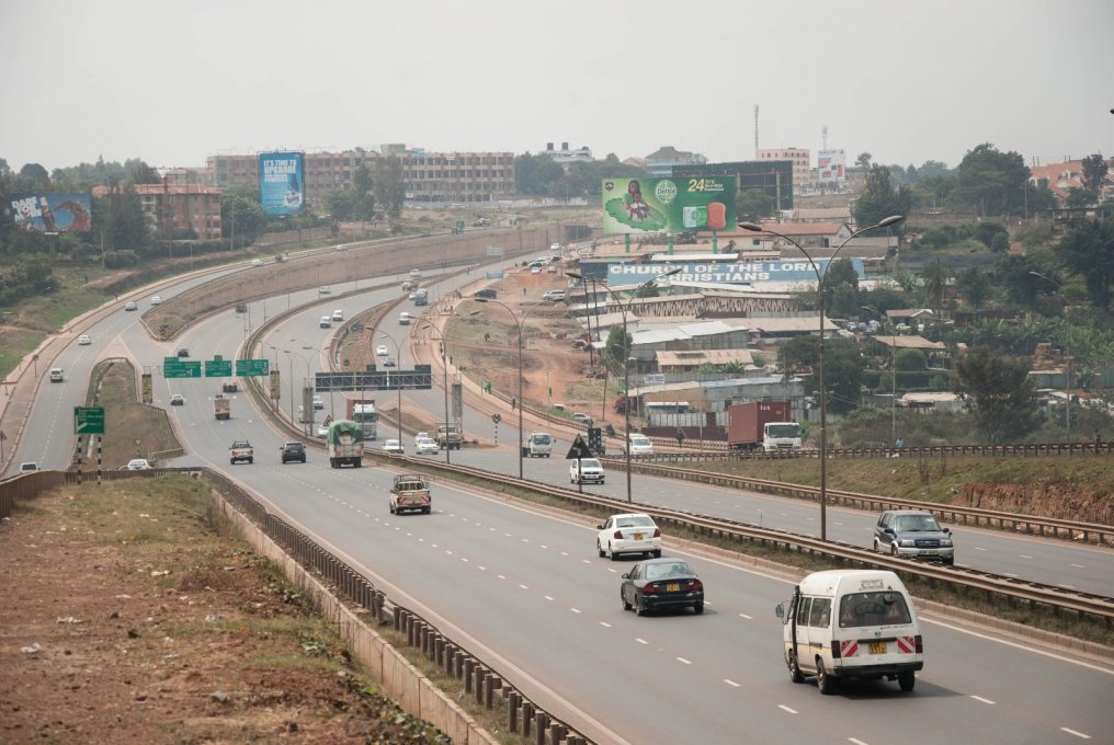 Thika Superhighway built by Chinese contractors in Nairobi. (Photo: Michiel Hulshof & Daan Roggeveen)