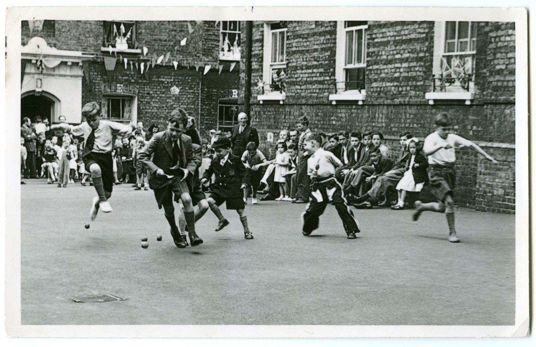 An egg and spoon race at a Coronation party on the now demolished Bedfordbury Estate in Covent Garden, 1953. (Photo: © Peabody)